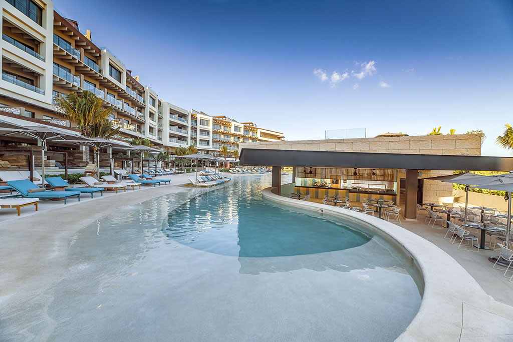 ESTUDIO PLAYA MUJERES   ESPM Bikini Azul PoolSide Restaurant 1