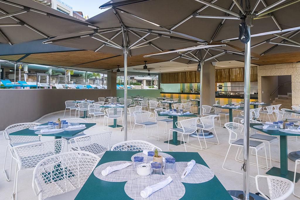 ESTUDIO PLAYA MUJERES   ESPM Bikini Azul PoolSide Restaurant 4