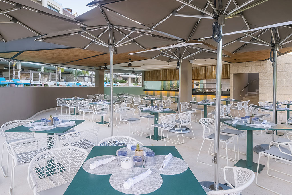 ESTUDIO PLAYA MUJERES   ESPM Bikini Azul PoolSide Restaurant 5